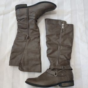 Rampage boots tall buckles taupe / grey size 8
